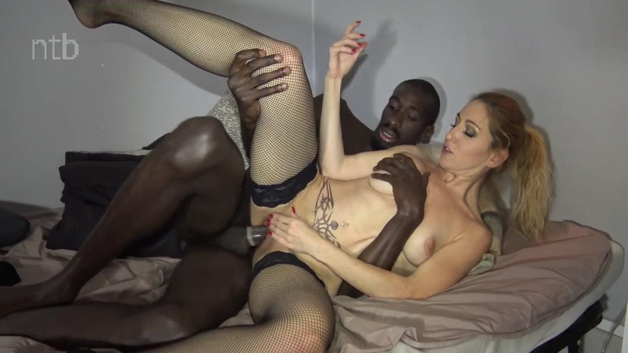 Hot blonde in stockings rides BBC